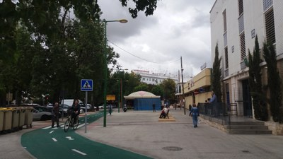 Aspecto actual de la zona delantera del mercado de San Gonzalo, tras las obras de remodelación realizadas por Urbanismo