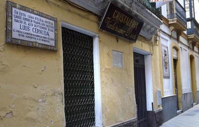 Fachada de la Casa donde nació el poeta sevillano, en el número 6 de la calle Acetres