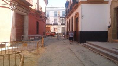 Tramo de la calle Mateos Gago próximo a la calle Fabiola, donde comenzarán en breve los trabajos de pavimentado