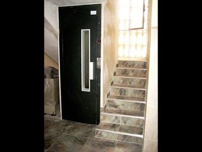 Imagen de un ascensor en un edificio residencial