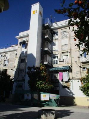Obras de instalación de ascensor en un bloque de viviendas beneficiario de las ayudas de la anterior convocatoria