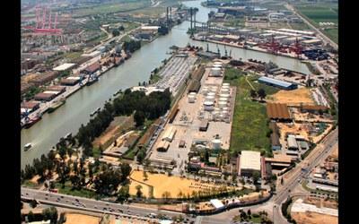 Imagen aérea de la zona portuaria del Batán, que será objeto de reordenación