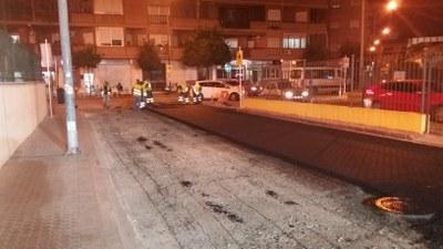 Trabajos de renovación del pavimento de la calzada de la calle Manuel Mantero